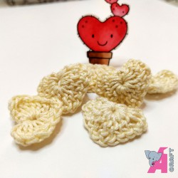 Crochet Heart Cream, 5 Pieces