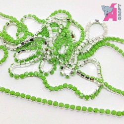 2 mm Opaque Light Green Chain Silver Cup
